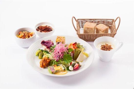 『HATAKE AOYAMA』のスーパー大麦「バーリーマックス」を使用したランチで快腸に!